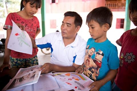 Kinder-Kambodscha-BeeBob-Hilsprojekt060